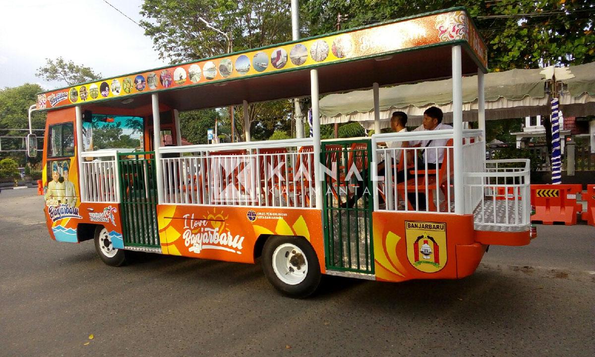 Bus Pariwisata Siap Jalan Pemandu Wisatanya Nanang Galuh Banjarbaru