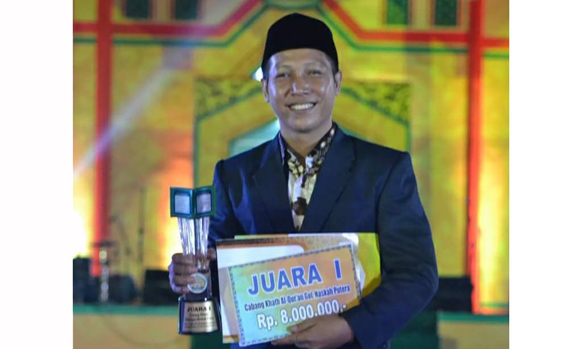 Royan Hanapi Juara Pertama Kaligrafi Asal Pulang Pisau